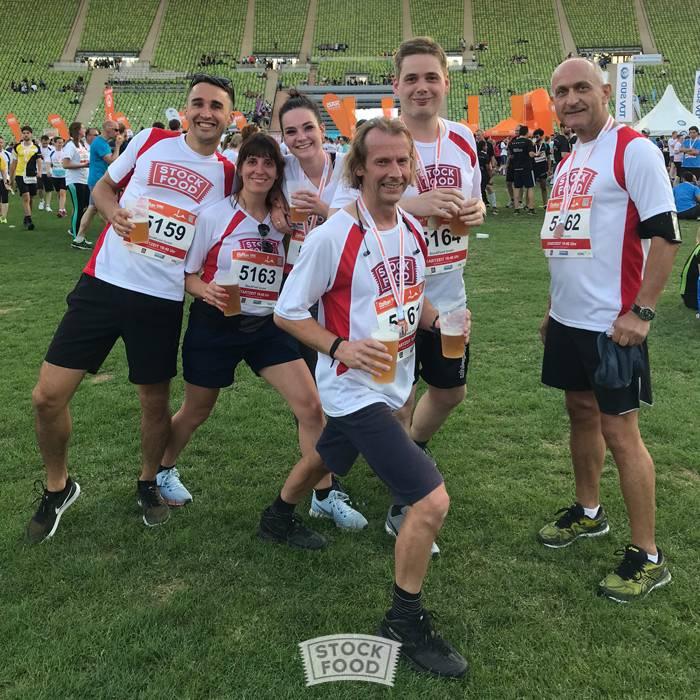 Laufspaß im Olympiapark –  StockFood beim B2 Run